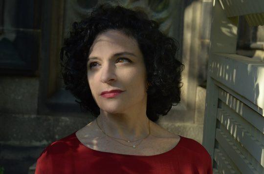 Lara Nie  :  Mezzo  Soprano singer NYC